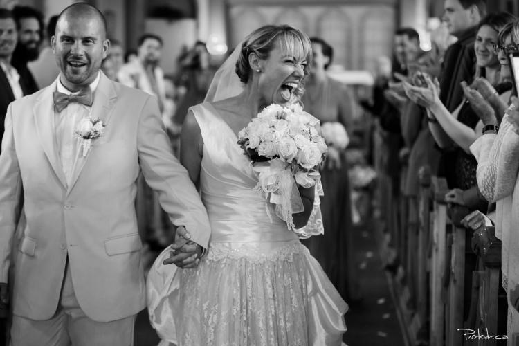photo de mariage à l'église dans les laurentides par un photographe bon tarif forfait prix prestige luxe professionnel