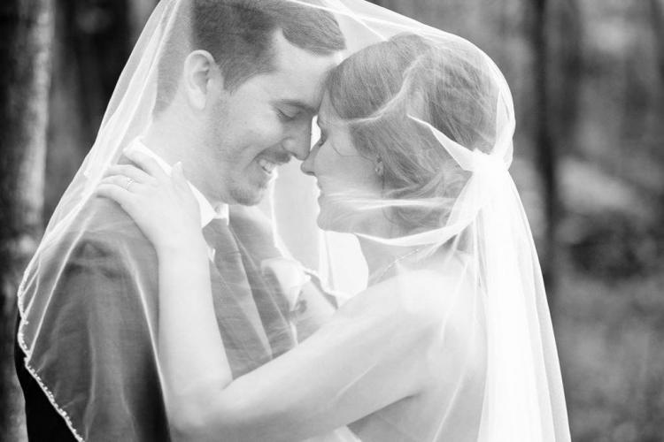 photographe de mariage à st-eustache dans les laurentides noir et blanc naturelle chez constantin style rustique