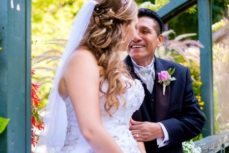 photographe de mariage session photo extérieure centre de la nature à laval couple amoureux