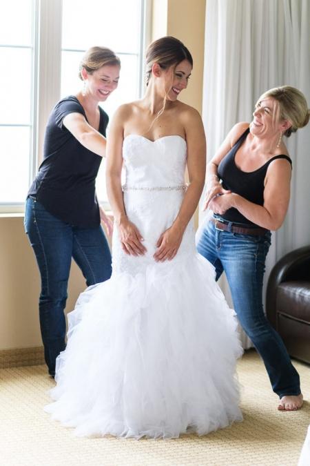 préparation de la mariée pour un mariage à l'impérialisme de St-eustache par un photographe de mariage